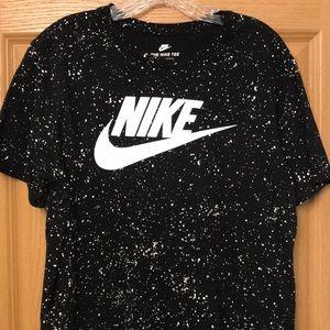 Nike Tee Size L